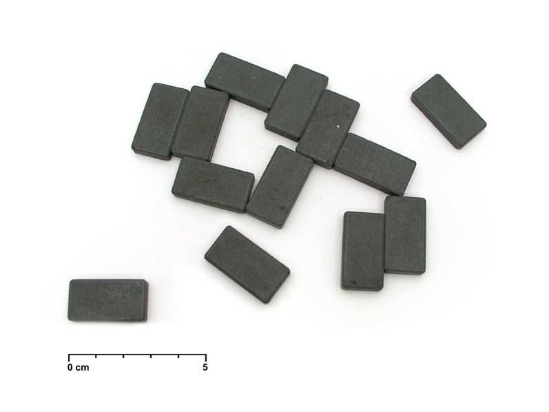 Magnet obdĺžnik šedý 15x28mm